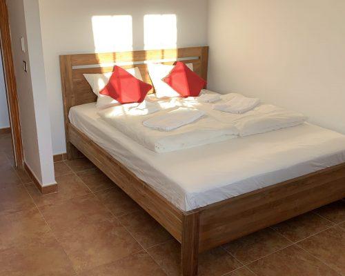 alle Schlafzimmer mit 1,60 Mtr. Doppelbetten