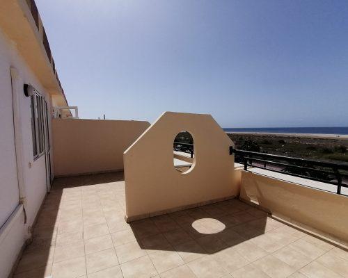 Grosse Terrasse mit Meerblick